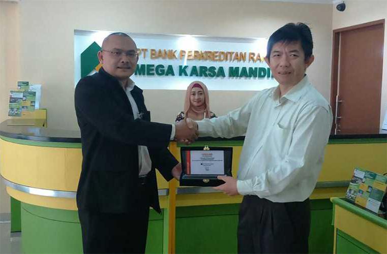 PT. BPR Mega Karsa Mandiri<br>Signing Agreement CorSys-BPR<br>(2014)